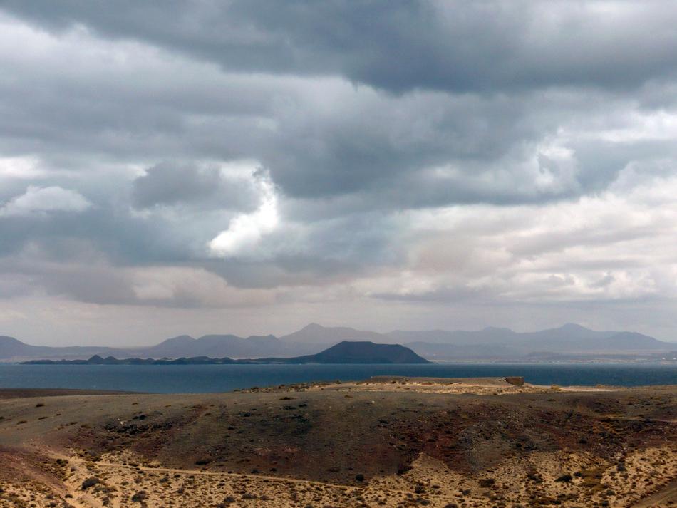 Fuerteventura y Lobos desde Los Ajaches (Lanzarote)