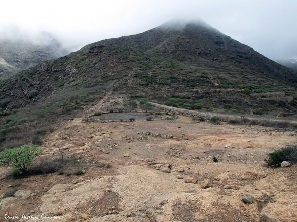 Adeje - Camino de Suarez - Tenerife - base del Roque Imoque - era