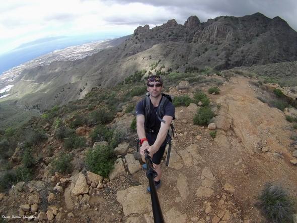 cima del Roque de los Brezos - Ifonche - Tenerife - Degollada de los Frailitos y Costa Adeje a mis espaldas