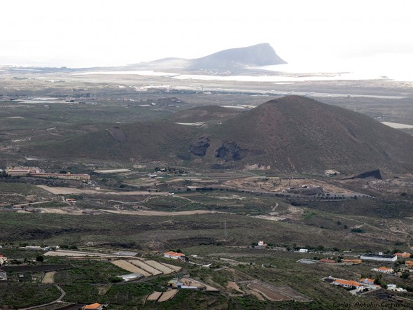 Monumento Natural de Jama - El Médano en el horizonte - Montaña Roja