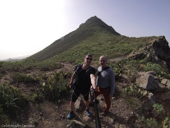 Camino de Suarez - Adeje - Tenerife - Roque del Conde a nuestras espaldas
