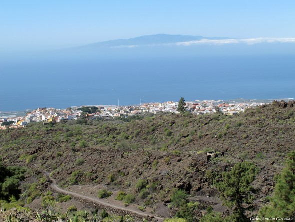 Guía de Isora - La Gomera en el horizonte