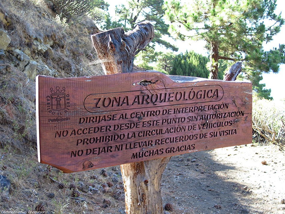 El Julan - inicio de la ruta - El Hierro - zona arqueológica