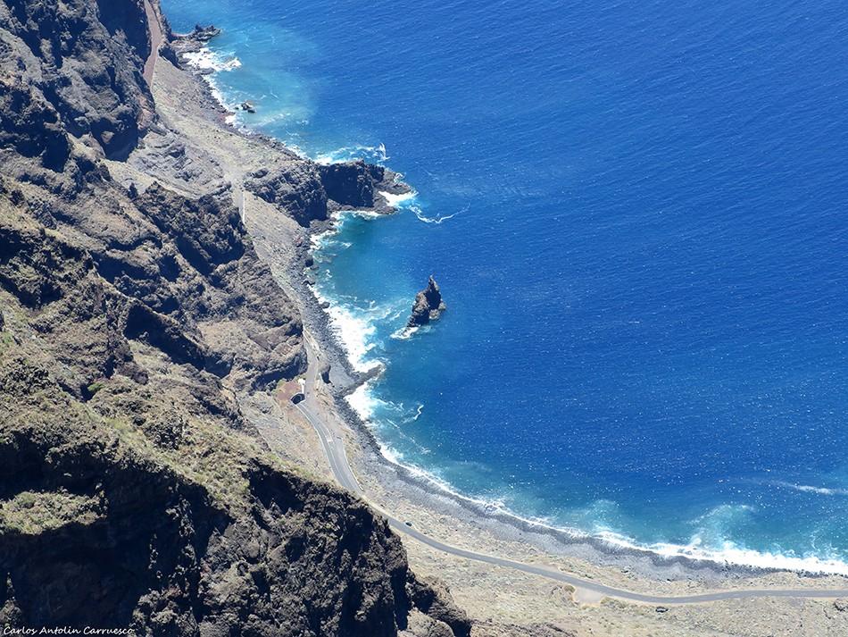 Monumento Natural Las Playas - Isora - isla de El Hierro - roque de la bonanza