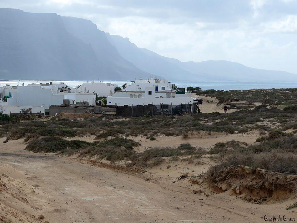 Isla de La Graciosa - Acantilados de Famara - Lanzarote - caleta de sebo