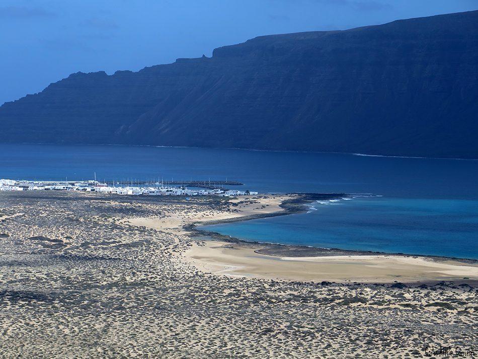 Isla de La Graciosa - Playa Francesa - Lanzarote - Acantilados de Famara - caleta de sebo