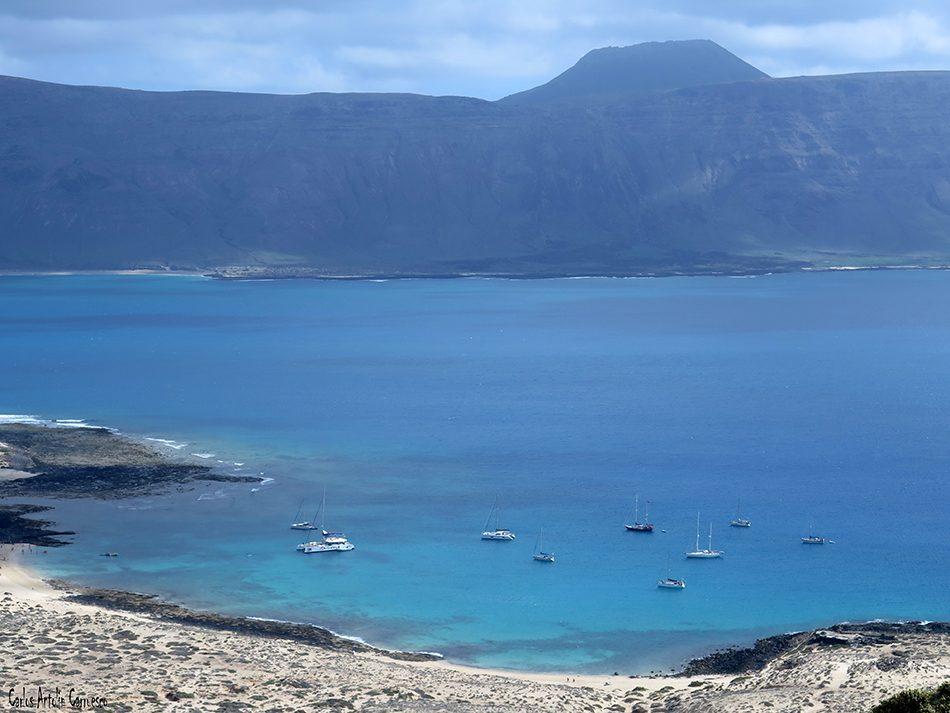 Isla de La Graciosa - Montaña Amarilla - Lanzarote - playa francesa - Acantilados de Famara - Volcán La Corona
