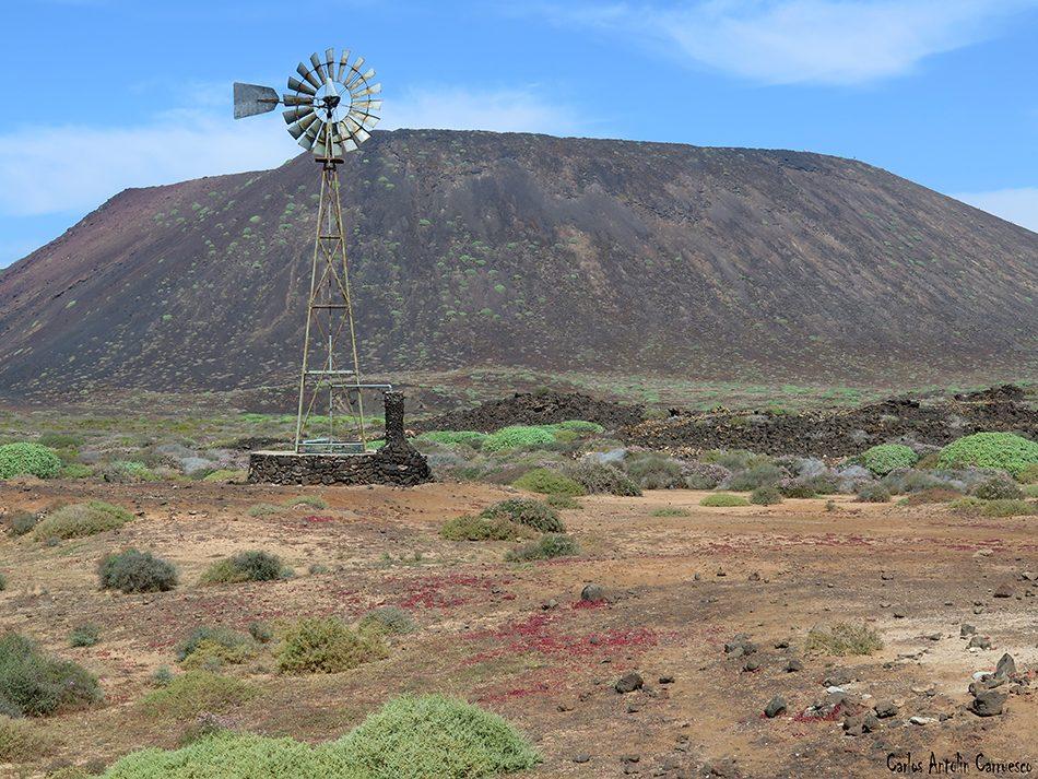 Islote de Lobos - Salinas del Marrajo - Fuerteventura - La Caldera de la Montaña