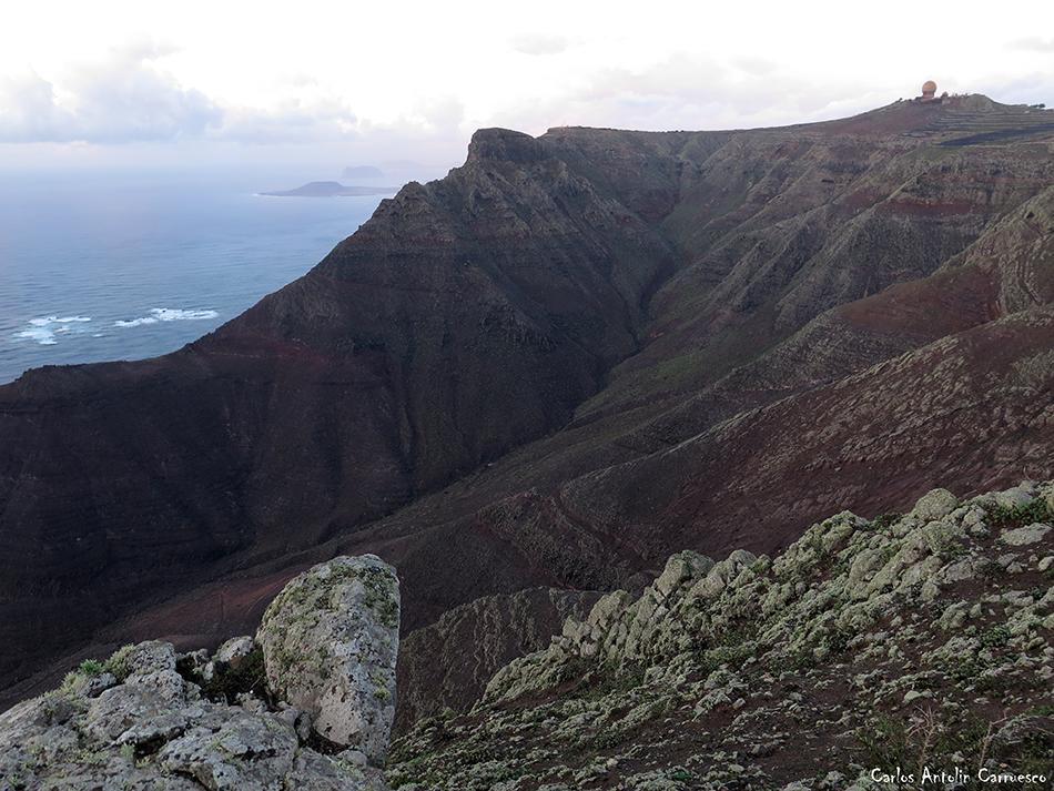 Peñas del Chache (670 metros de altitud) - Acantilados de Famara - Lanzarote